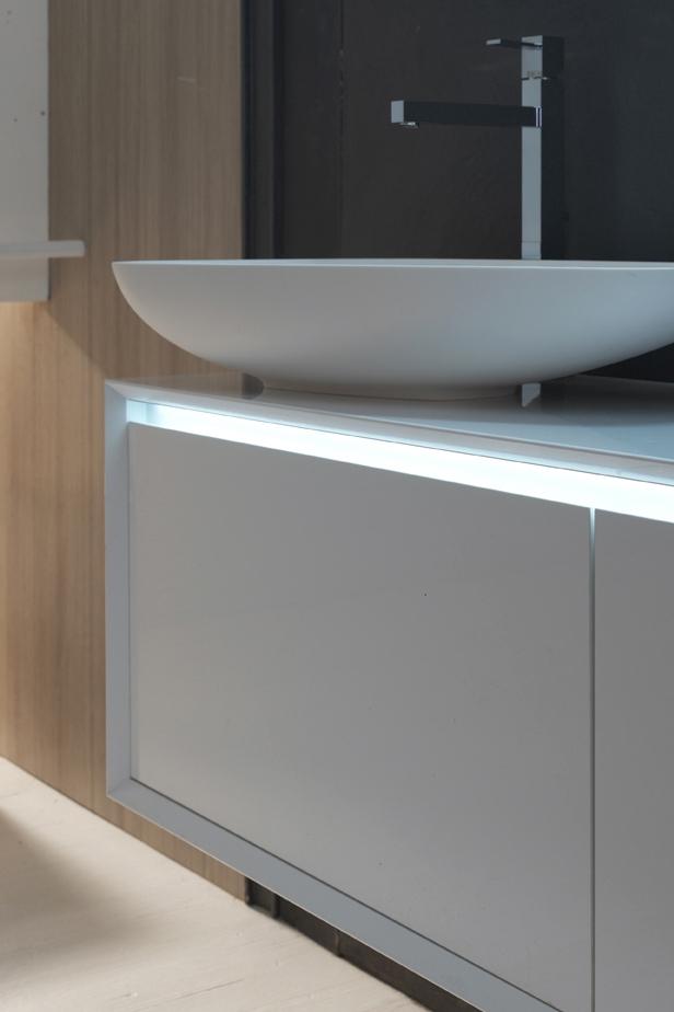 Profili led - L'inserimento dei led amplia l'estetica dei contenitori con una nuova emozione, legata alla praticità.