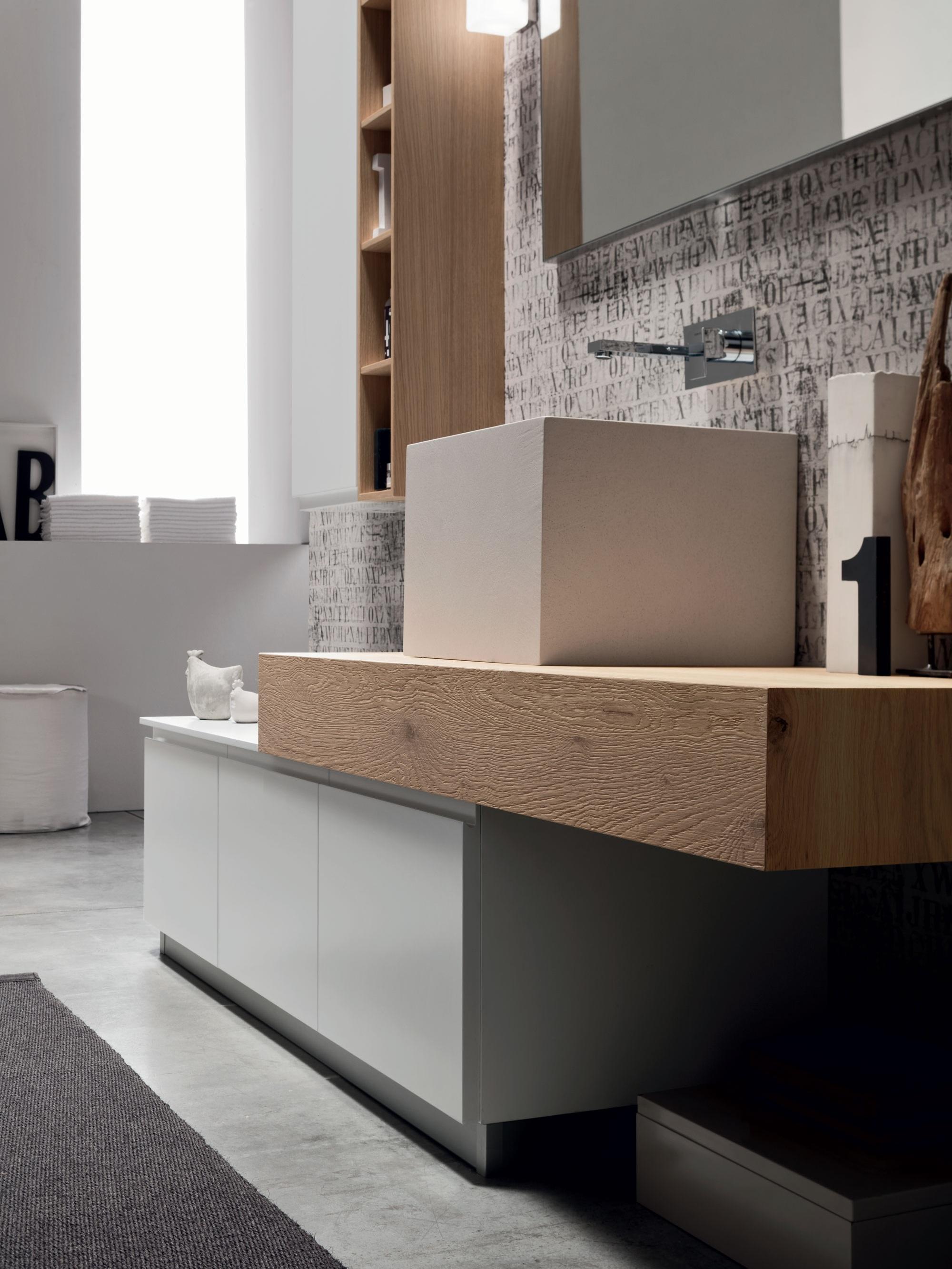 Nuovi spessori - I piani top diventano protagonisti con i loro spessori, che sottolineano il design dei mobili e dei prodotti coordinati all'arredo.