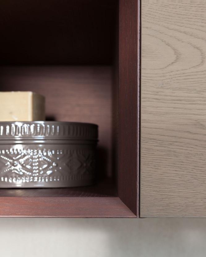 Rovere in 7 colori - Tutto il fascino del legno, con un'ampia proposta di essenze in 7 colori caldi e luminosi. Rovere protagonista nei piani e nei dettagli di forte spessore, che ne valorizzano la qualità selezionata.
