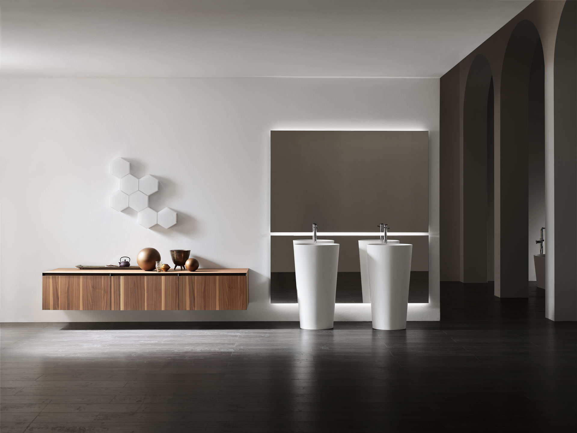 Bagni Design Materiali E Accessori.Arcom Arredobagno