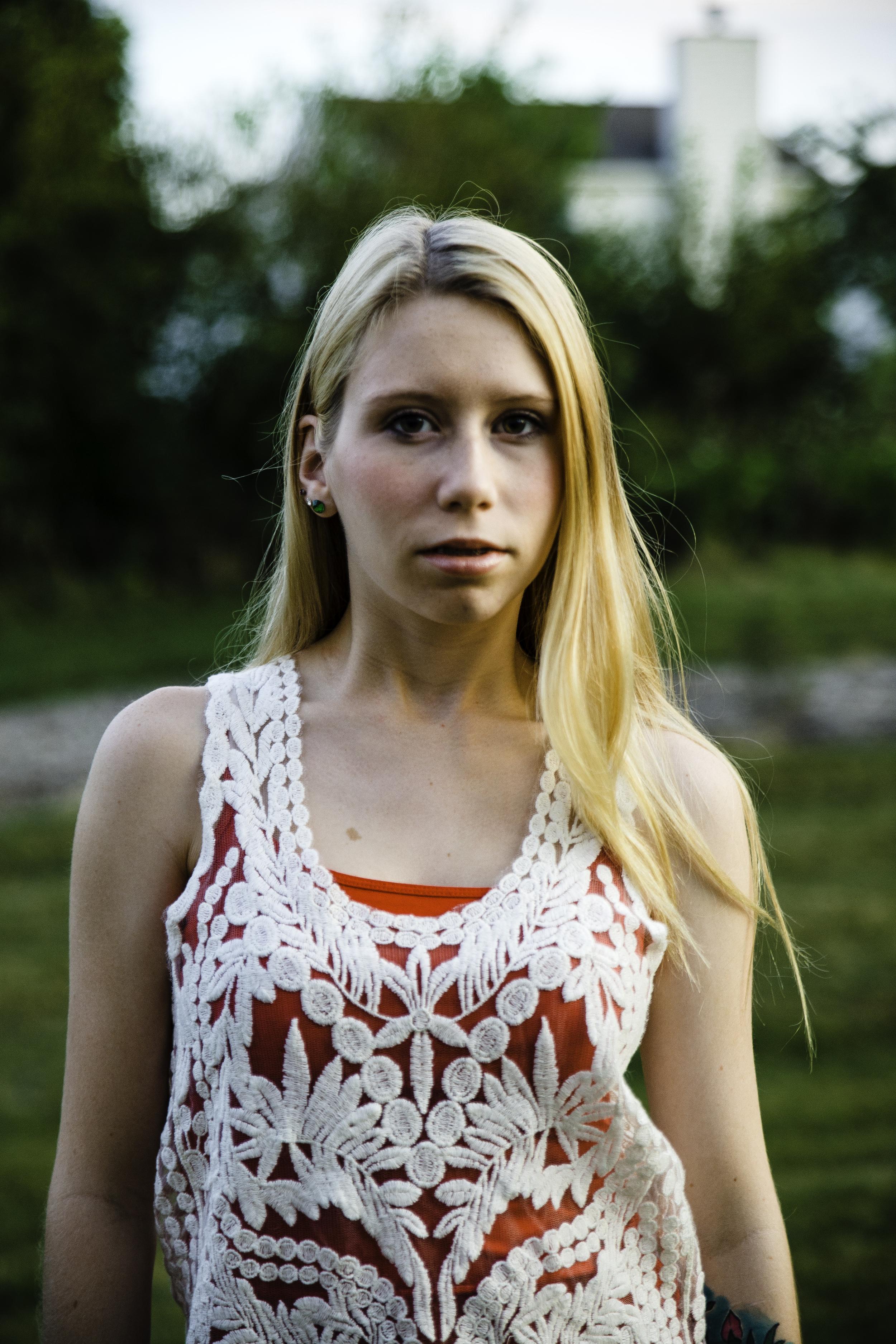 Emily-77.jpg