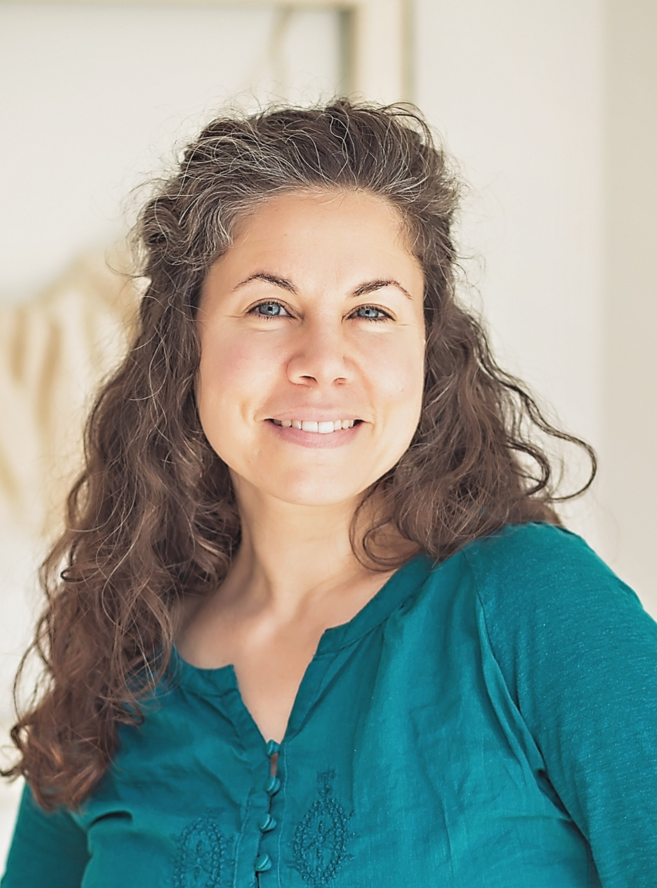 Jenna Aquilina M.Ac.OM, Dipl.Ac., L.Ac. is an ilumina practitioner who has been practicing TCM and Acupuncture for over 15 years.
