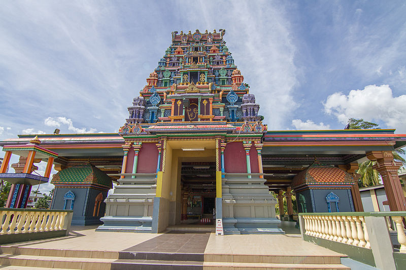 The Sri Siva Subramaniya Temple in Nadi, Fiji, is the largest Hindu Temple in the Southern Hemisphere. (Photocredit: Maksym Kozlenko Wikimedia Commons)