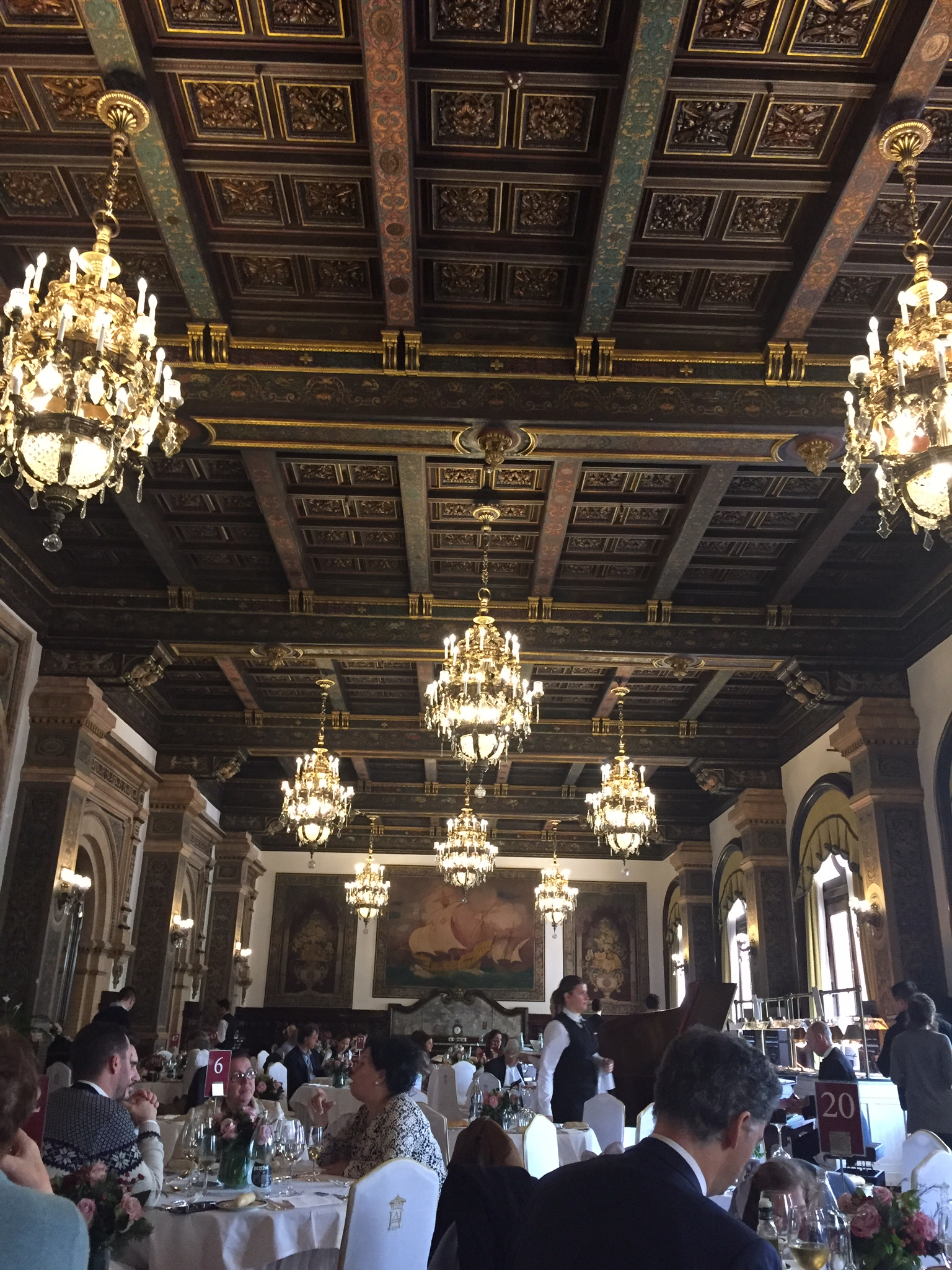 The dining room of Hotel Alfonso XIII.