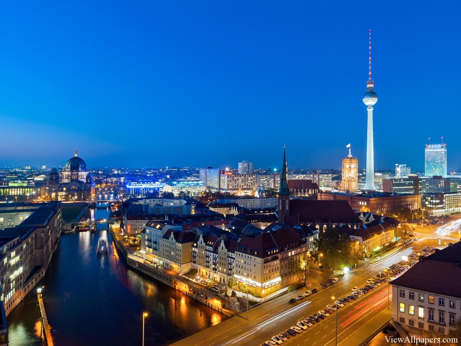 Berlin-Germany-At-Night-Wallpaper.jpg