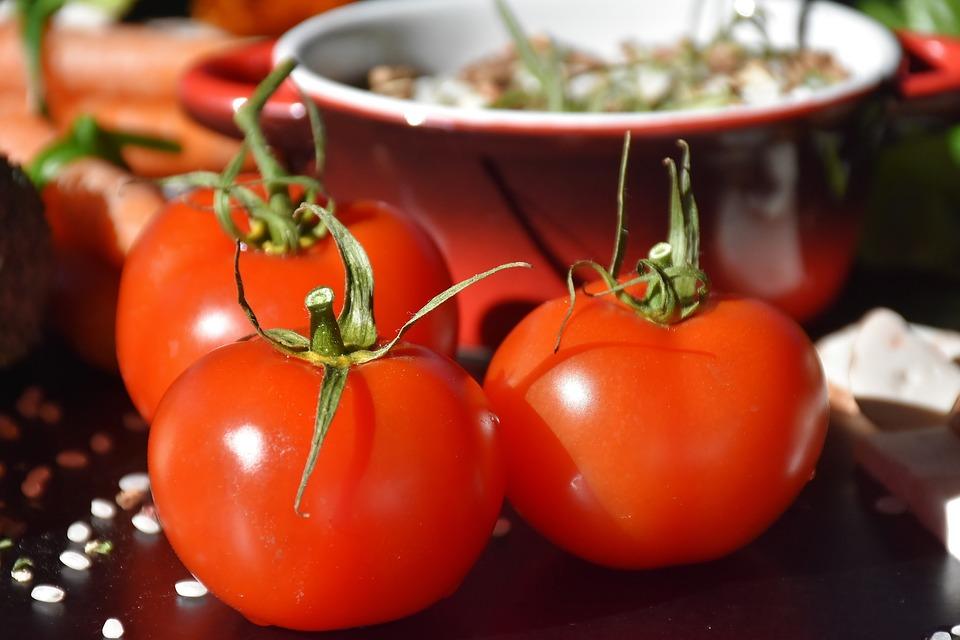 tomatoes-2103457_960_720.jpg