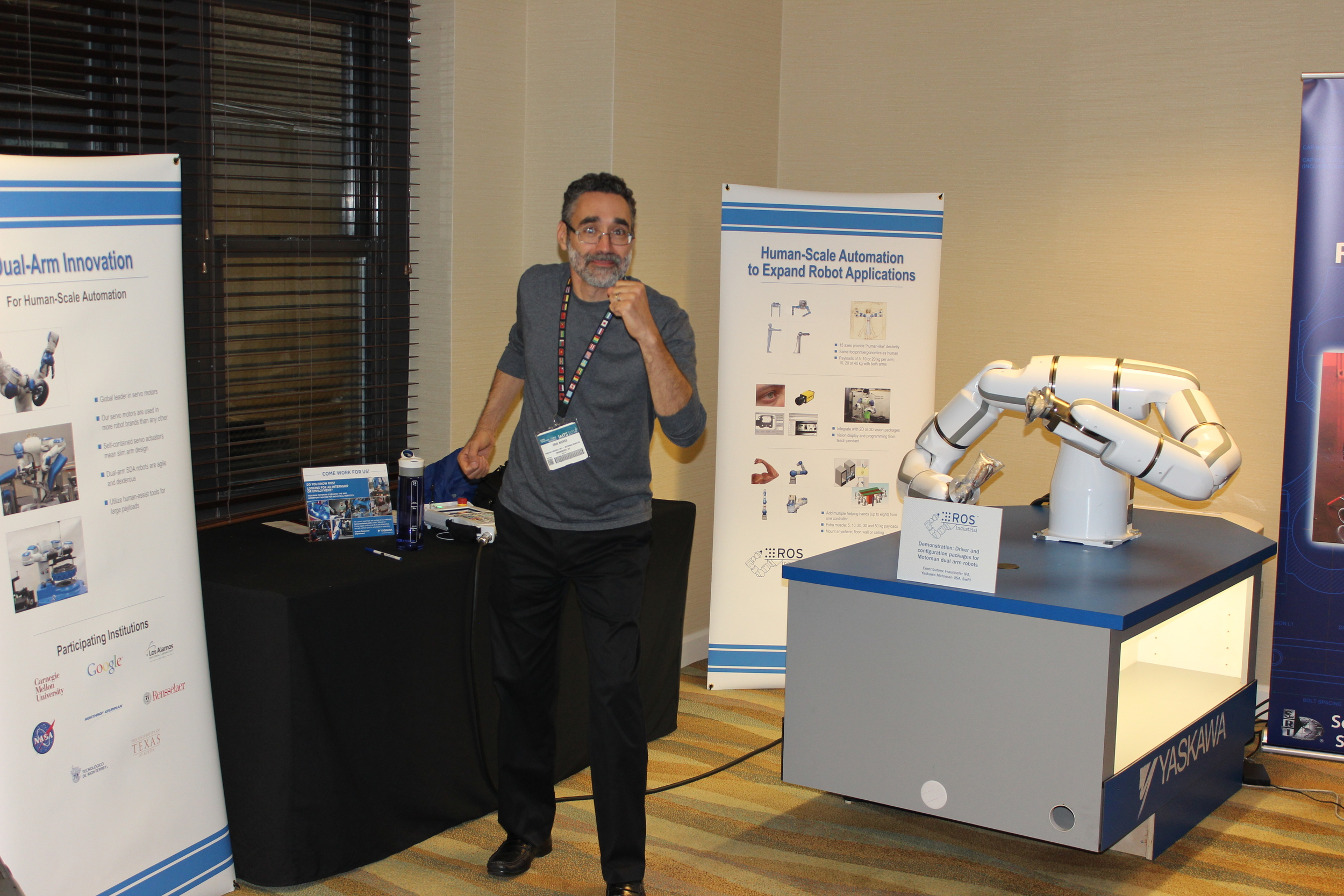 Erik Nieves (Yaskawa Motoman USA) Grooves withthe BMDA3 at ROSCon 2014 in Chicago