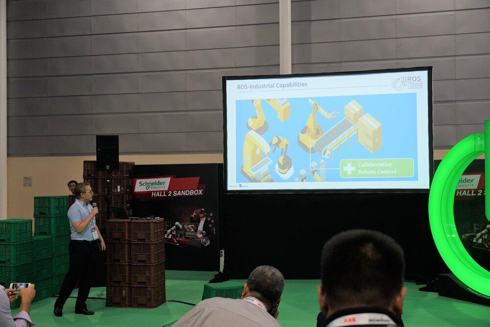 Erik presenting at Hall 2 Sandbox during ITAP 2019.