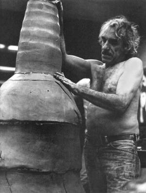Peter Voulkos goes BIG
