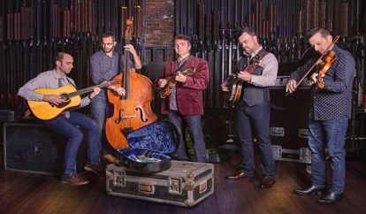 Travelin'-McCourys---Official-Photo.jpg