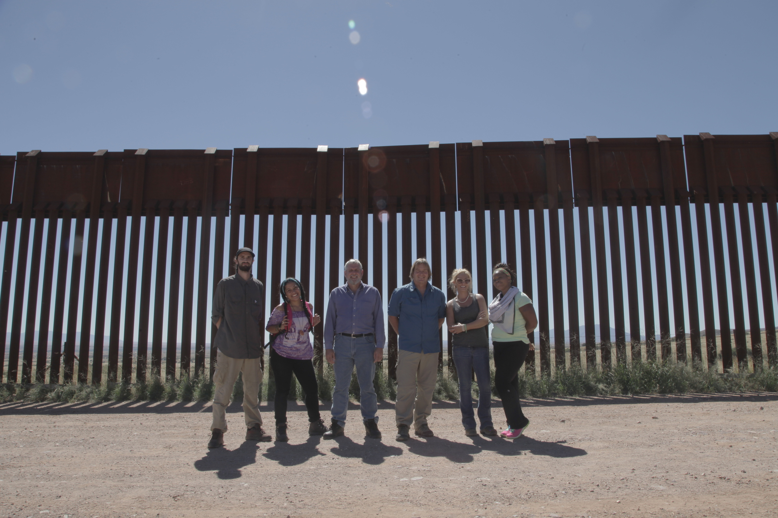Borderland cast at AZ-Mexico border.JPG