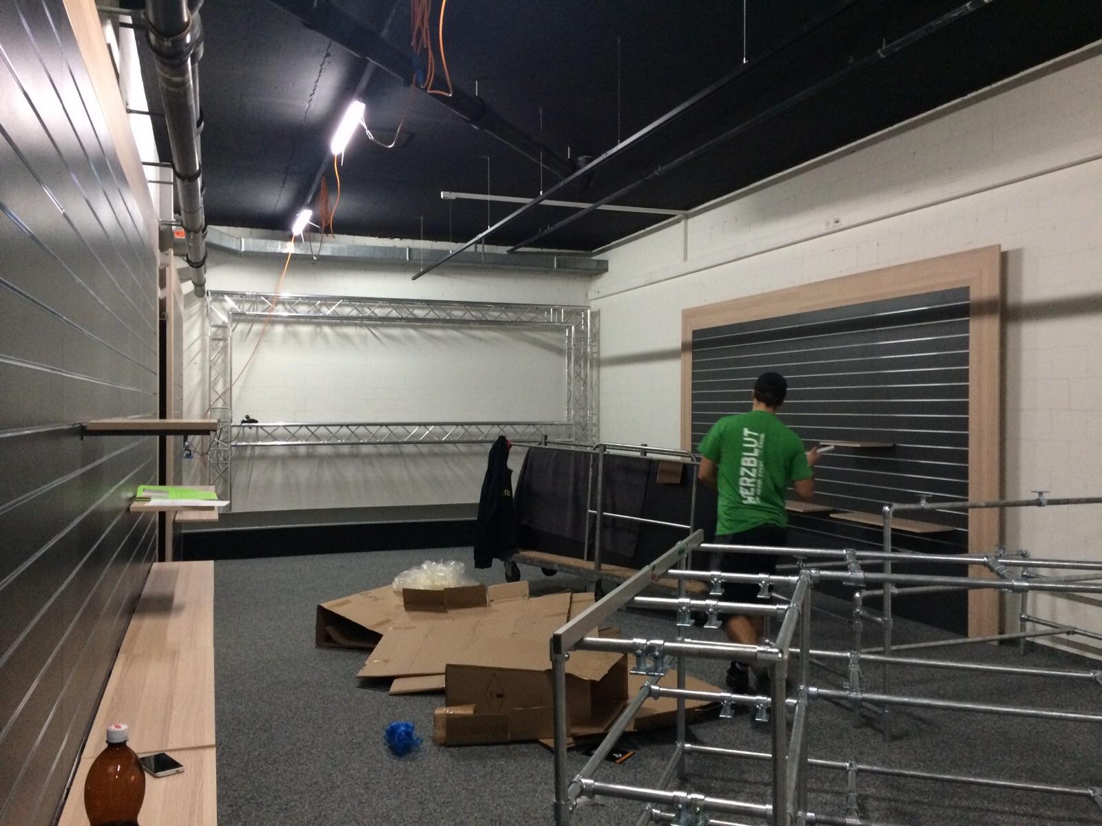 Brack Showroom Baustellenbericht 20150911 (2).JPG