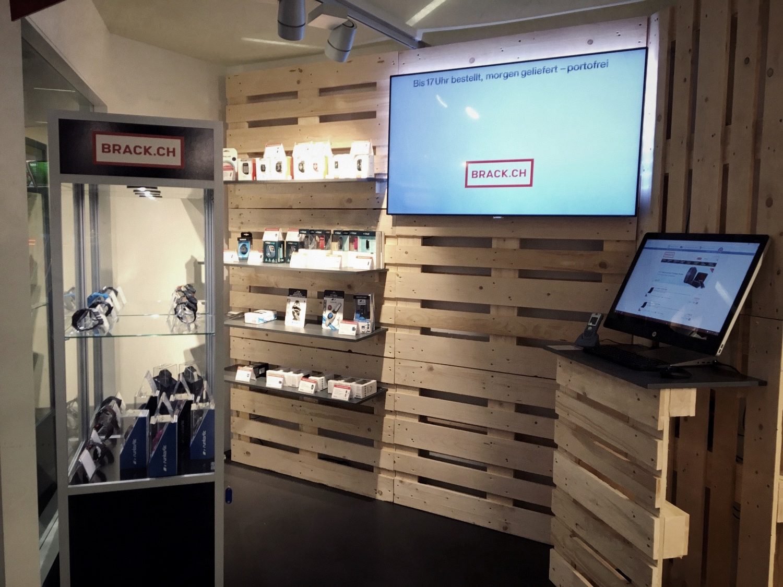PENGland AG_Brack Pop Up Store_Westside (3).JPG