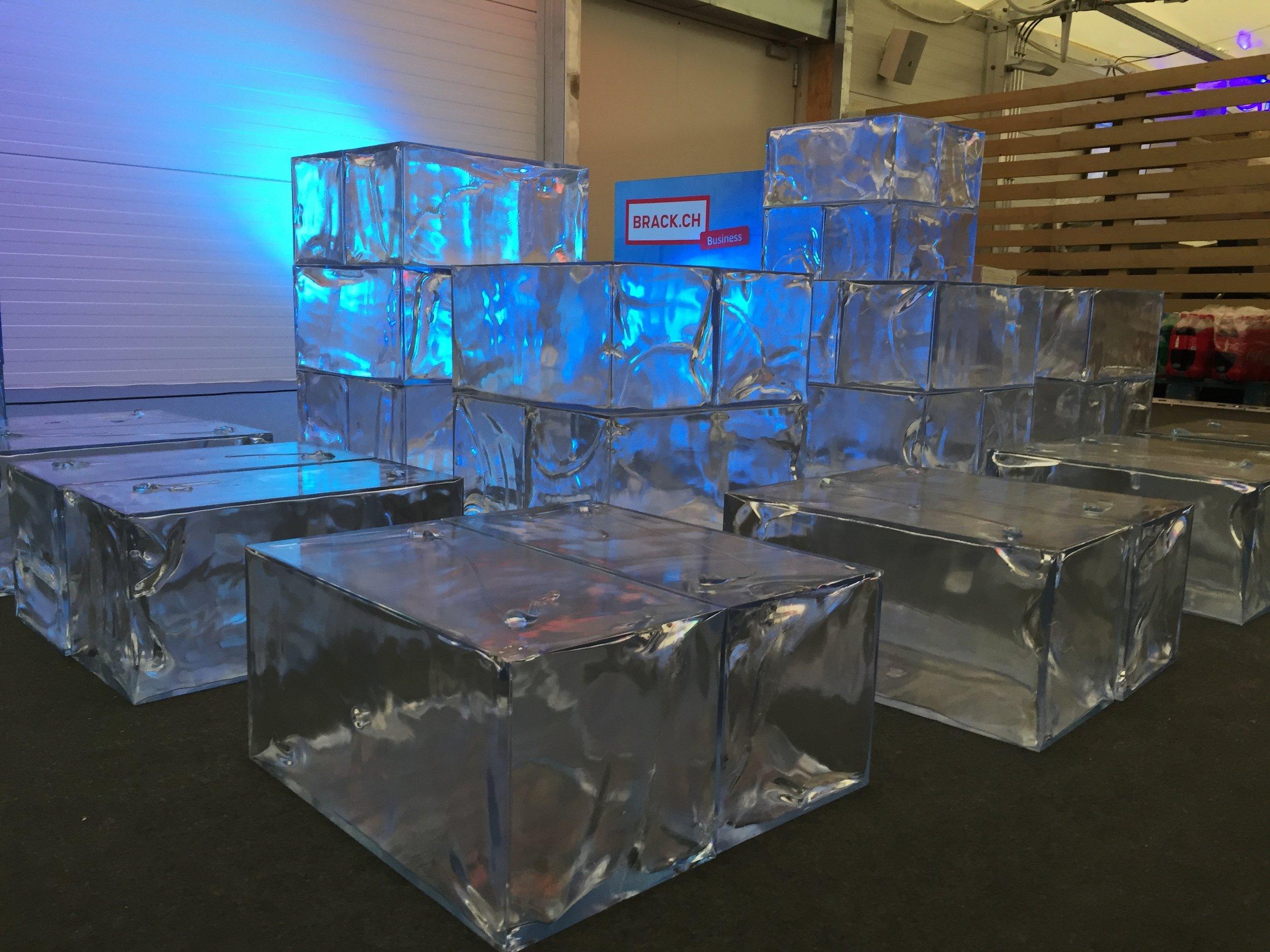 PENGland_Verkauf BRACK IceLounge BRACK.CH Lausanne 3.jpg