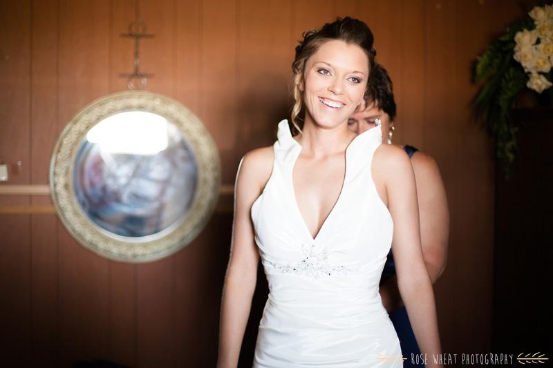 15.+bride_getting_ready-3.jpg
