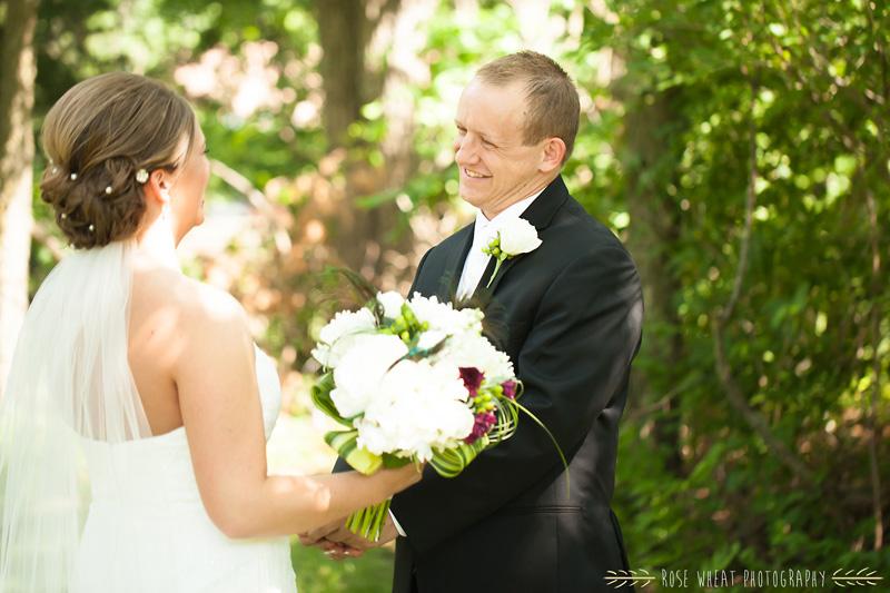 16.+first_look_topeka_ks_wedding.jpg