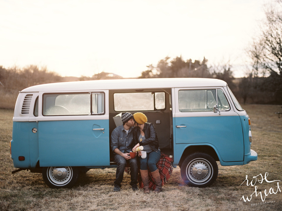 17. AT_volkswagen_bus_mamiya_645_pro_tl_kodak_portra_400_rose_wheat_photography.jpg