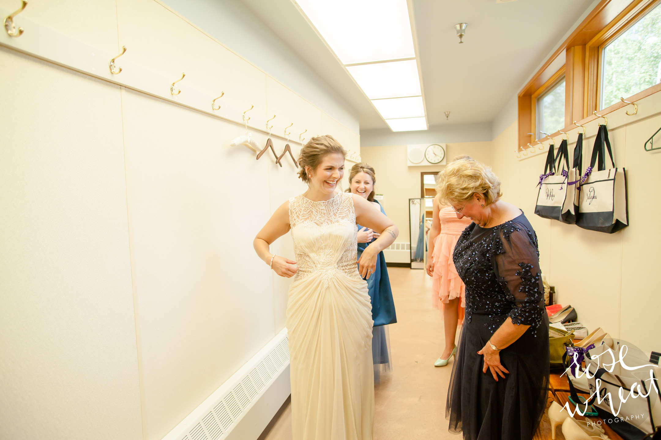 11. Birch_Hill_Fairbanks_Ak_Wedding_Rose_Wheat_Photogrpahy-5.jpg