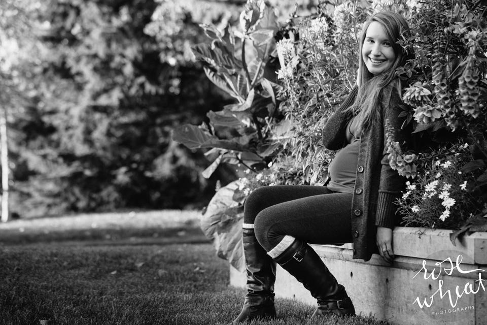 18. Lauren_Wedgewood_resort_Fairbanks_Maternity-1.jpg