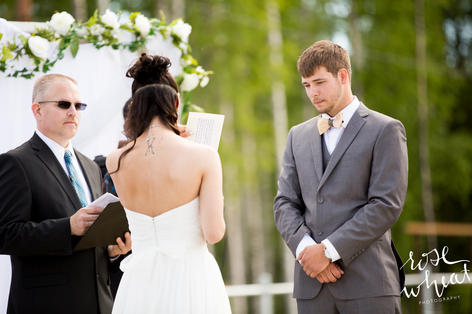 001. FAIRBANKS_AK_NATURAL_LIGHT_WEDDING_Getting_ready-16.jpg