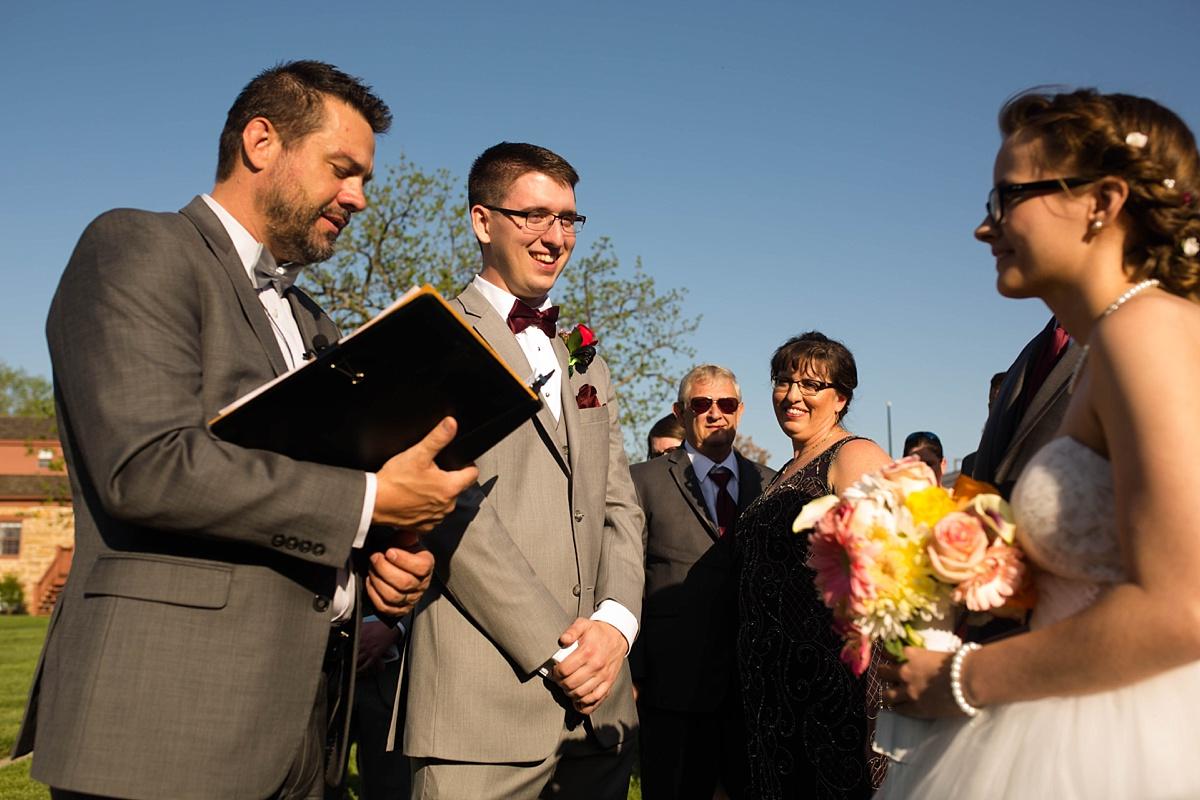 Topeka_Wedding_Photographers_0030.jpg
