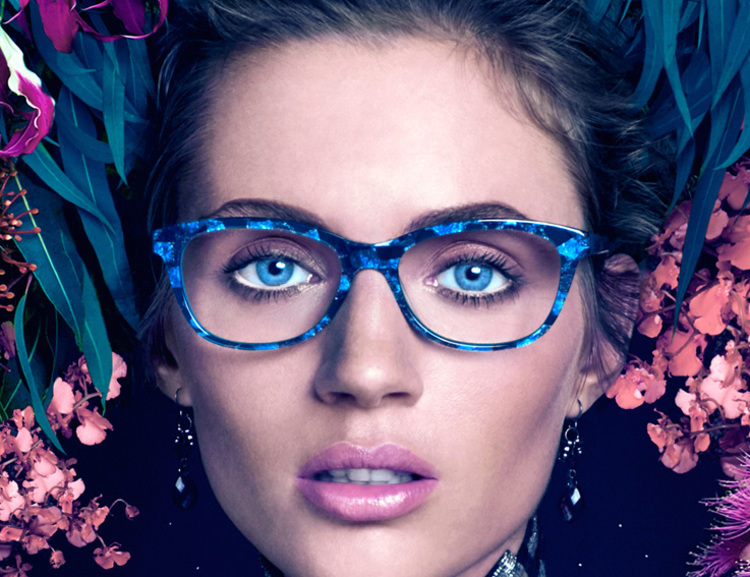 Who cares if the sun has gone when you can have these faceted sapphire coloured frames sparkling on your face! Keep the brightness going with these gorgeous Jono Hennessy frames.