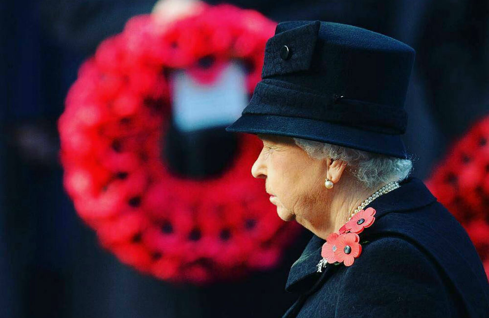 rainha-elizabeth-ii-remembrance-day.jpg