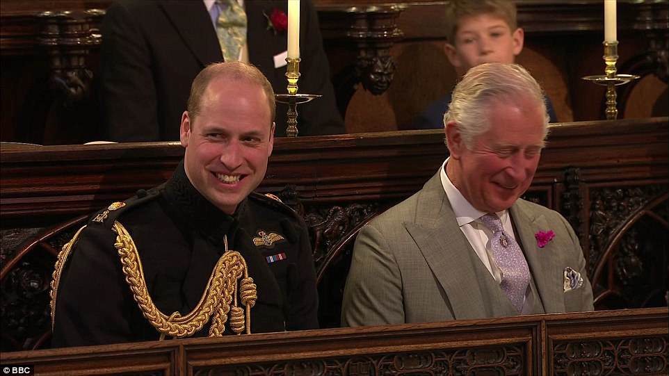 4C6E13AD00000578-5747477-The_Duke_of_Cambridge_and_his_father_Prince_William_both_laugh_d-a-523_1526738086158.jpg