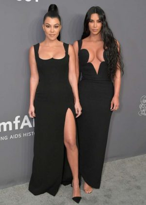 Kim-Kardashian_-amfAR-New-York-Gala-2019--02-300x420.jpg