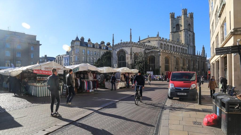 FOTO-9-–-Centrinho-de-Cambridge-tem-feiras-e-lojinhas-para-todos-os-gostos.jpg