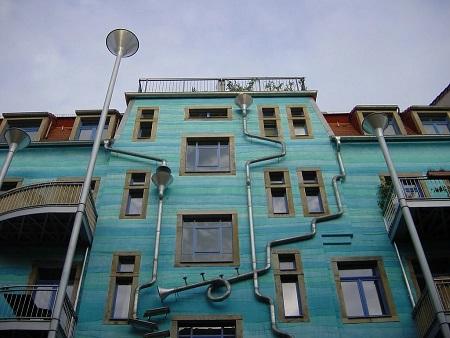 Prédio-que-toca-música-quando-chove-atrai-turistas-na-Alemanha-2.jpg
