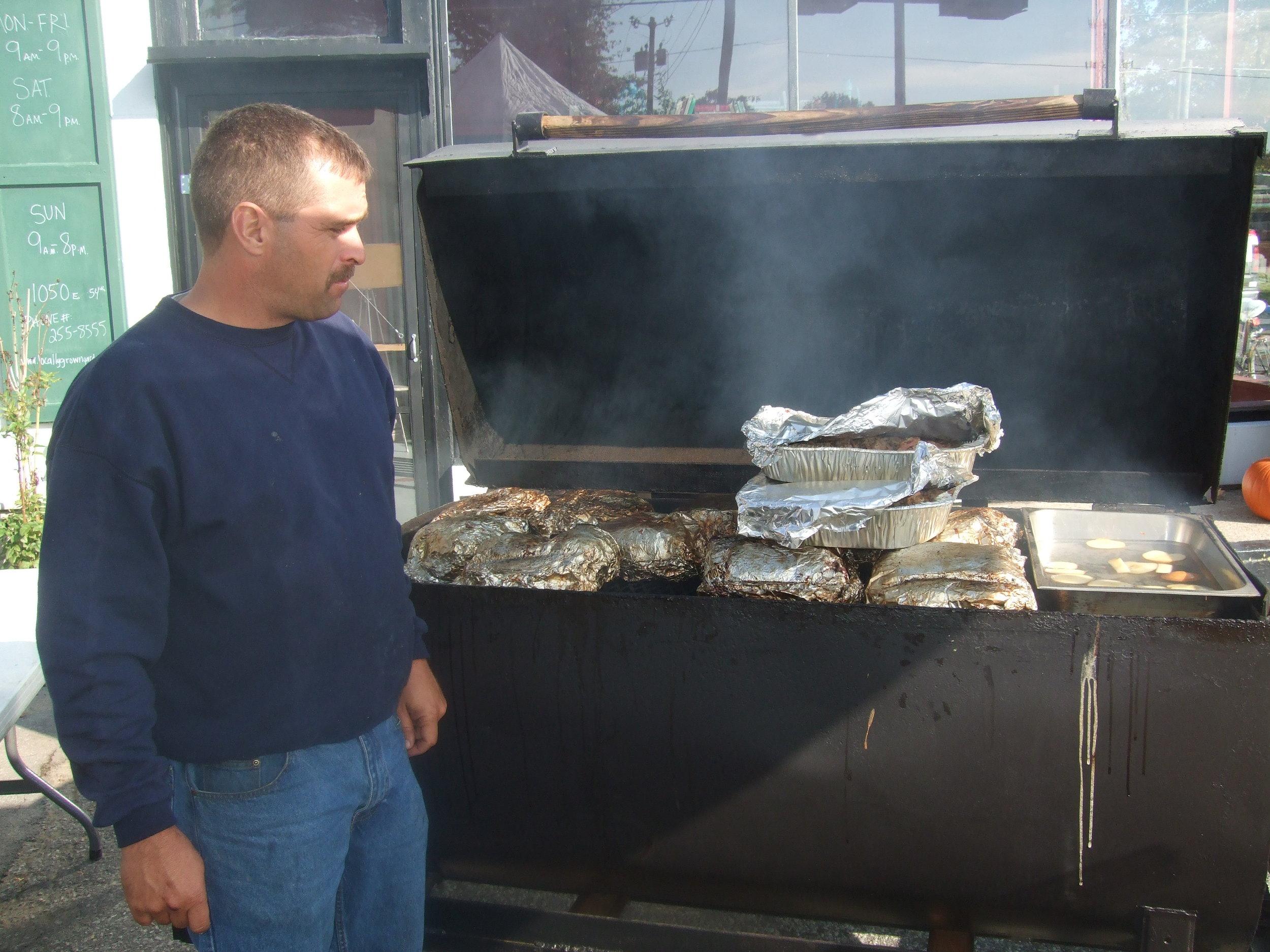 2008 Mid October 1st Hog Roast Greg MIller & Me thank  you Greg!!!!!!!!!!!!!.jpg