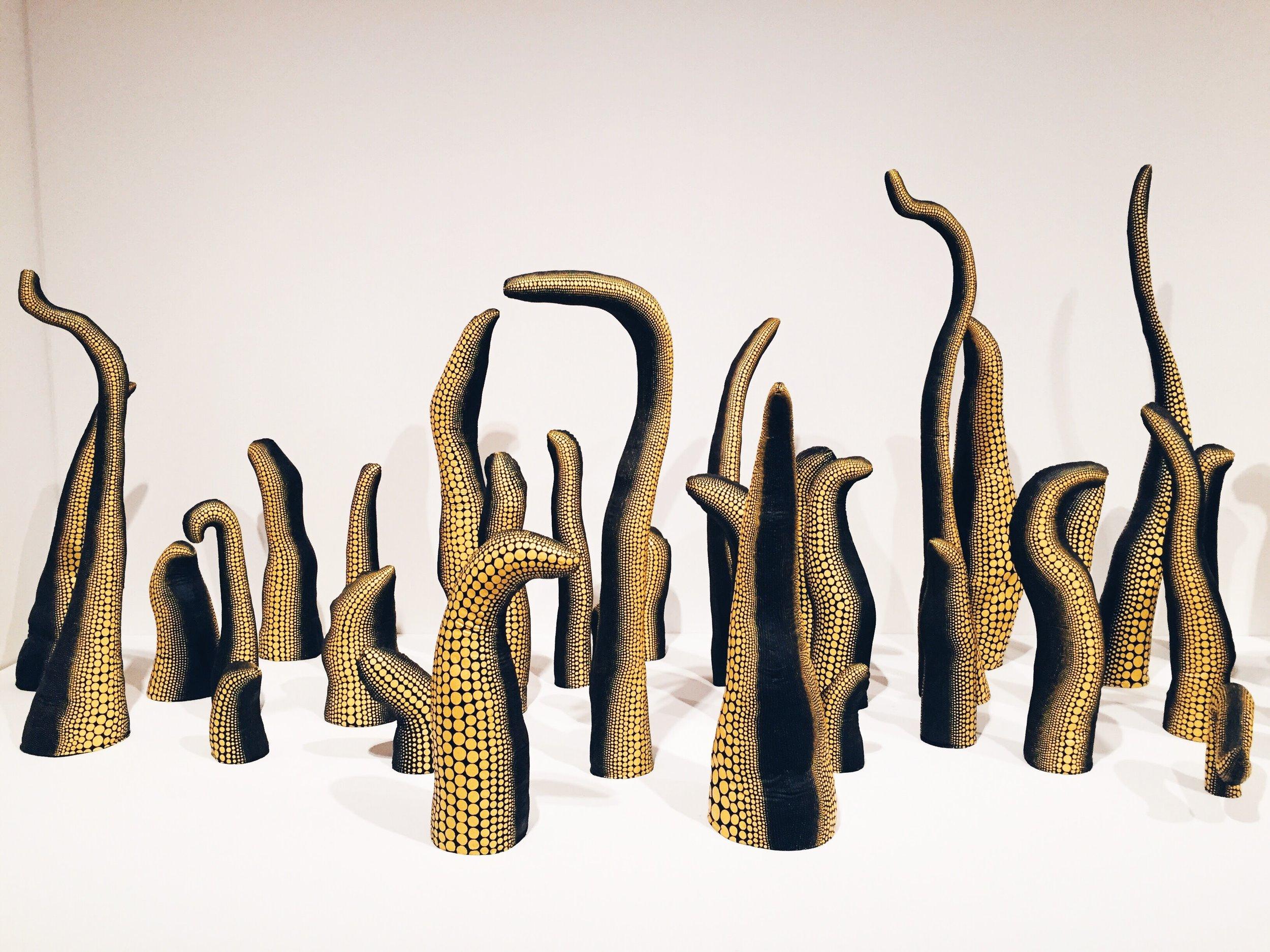Yayoi Kusama,  Life (Repetitive Vision) (1998)
