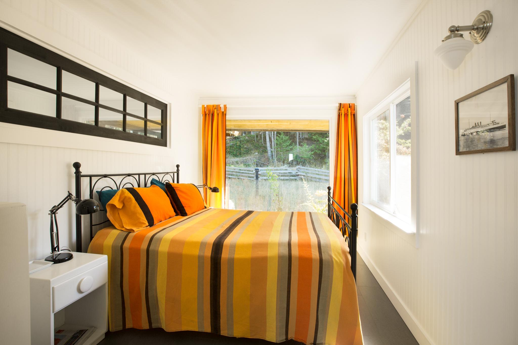bedroom1-L62.jpg