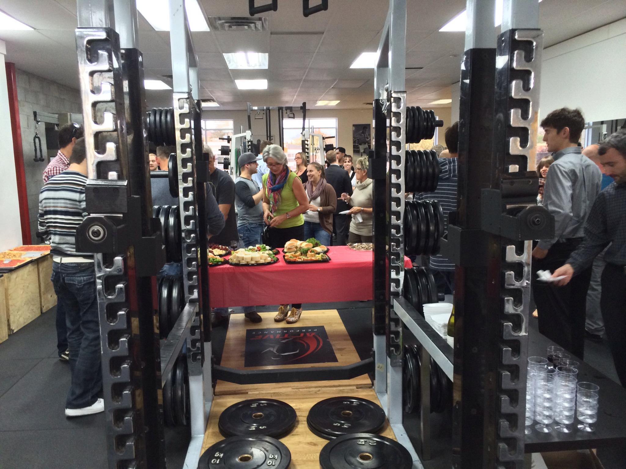 Photo prise aux installations d'entraînement de Beloeil lors du 5 @ 7 portes ouvertes. C'est maintenant l'heure de démarrer le processus et d'enfiler votre linge d'entrainement.