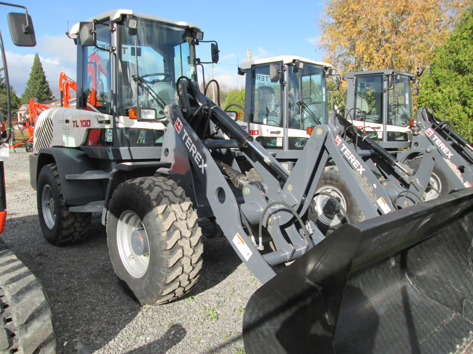 We offer a wide range of equipment, so whether you need a day or a week, your tasks can be completed on your timeline.