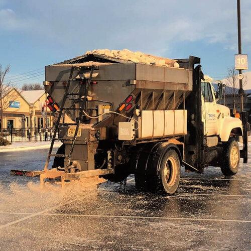 Xtreme Snow Pros Salt Truck Solenie i odladzanie po burzy