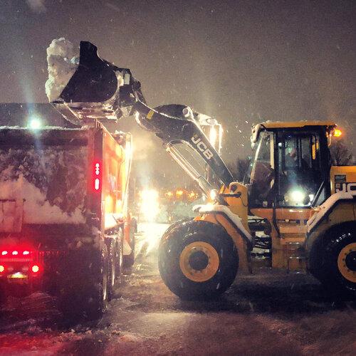 Transport śniegu i relokacja śniegu z Xtreme Snow Pros