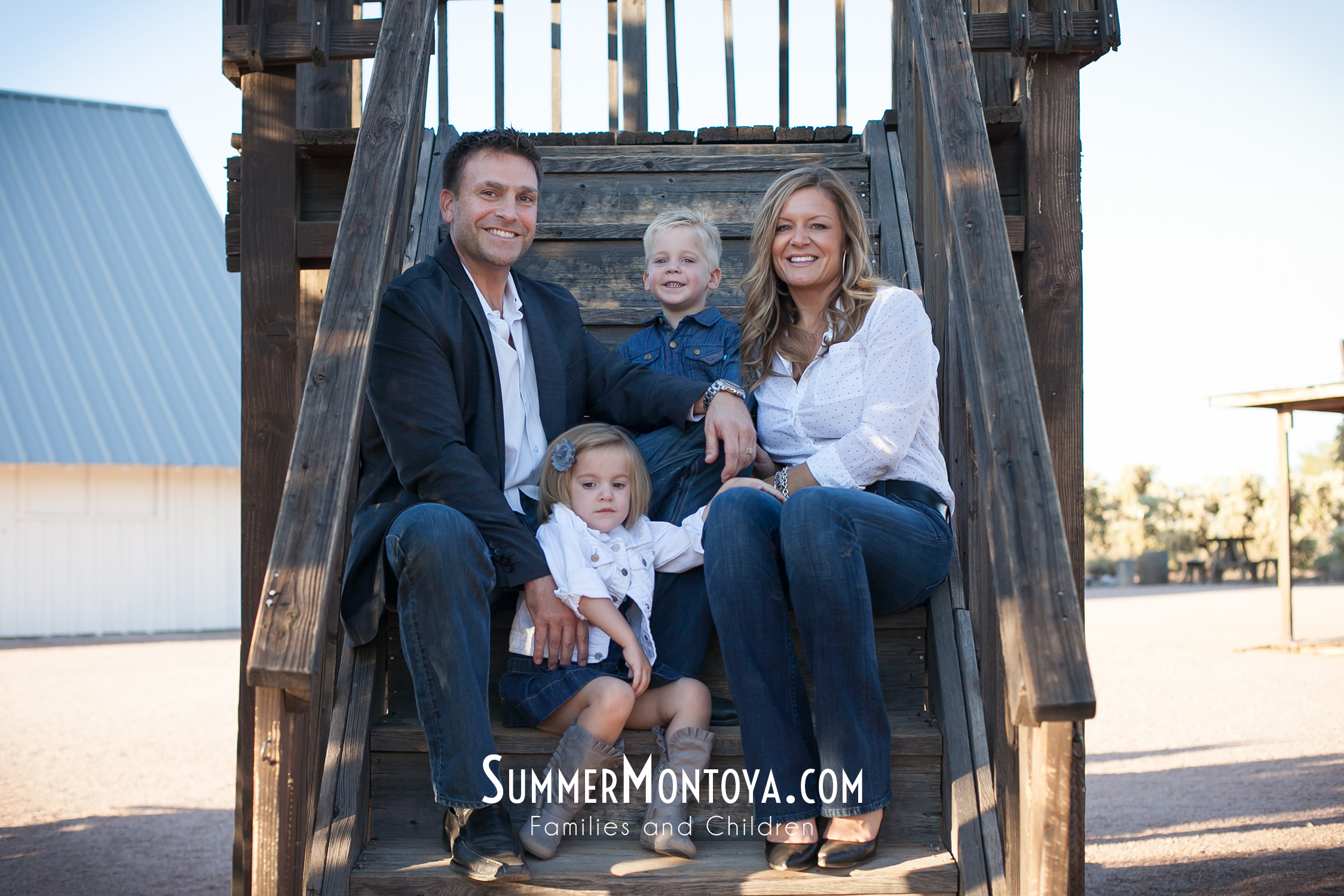 superstition-mountain-museum-family-01