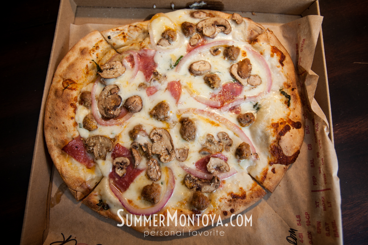White sauce with mushroom, spicy sausage, red onion, salami, fresh basil, mozzarella and parmesean,