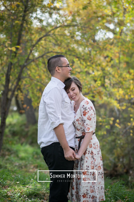 prescott-couple-in-the-woods