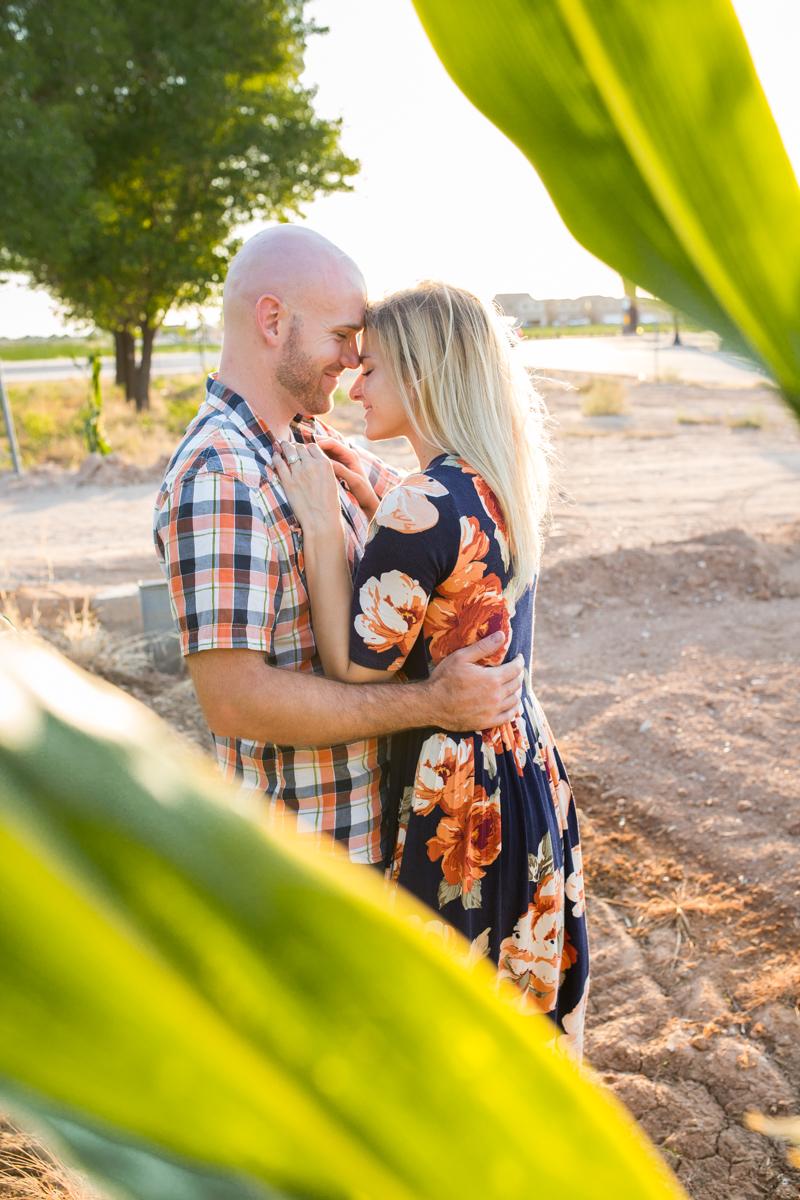 Gilbert couple photos in cornfield.