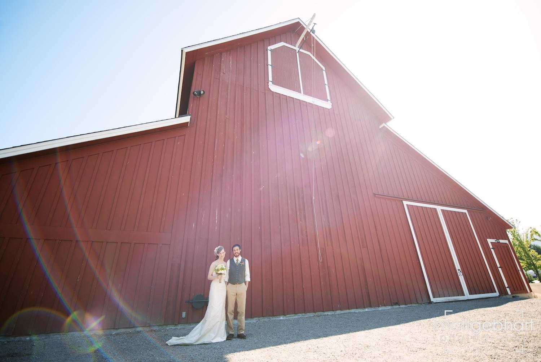Issaquah barn wedding  004.jpg