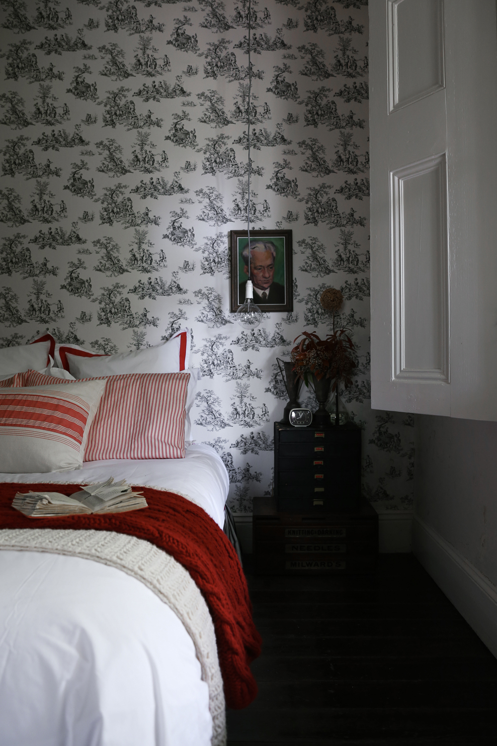 BR One: The house has two bedroom and another gorgeous room complete with its own en suite in the garden of the house.