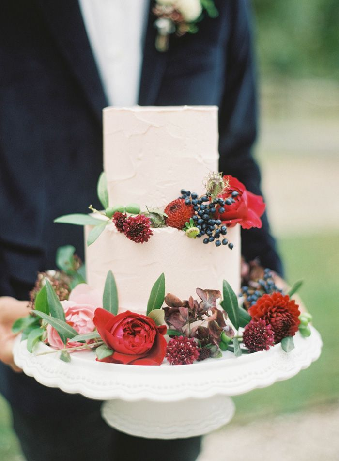 Cake by Bella Cupcakes , photographed by Jen Huang  via  Grey Likes Weddings