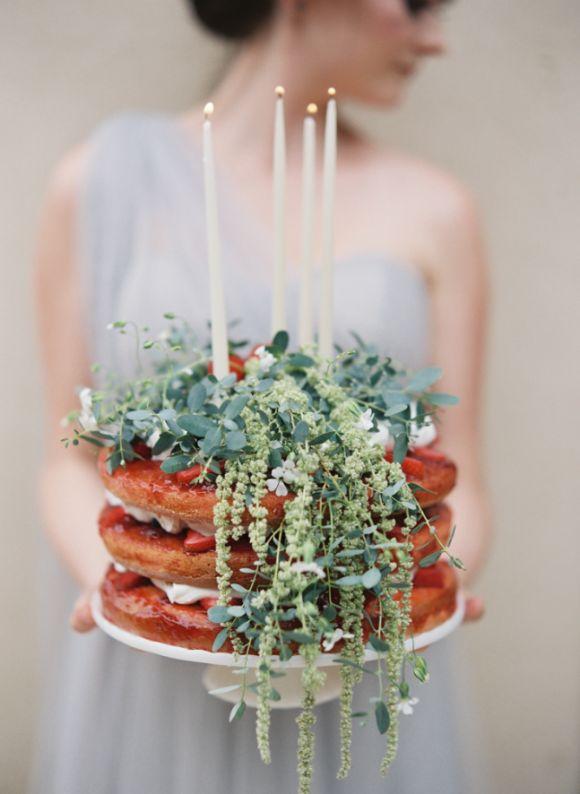 Cake via Wedding Sparrow ,  photographed by Laura Catherine Organic Photographs