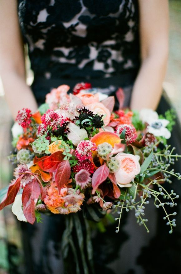 Bouquet from  Heaven on Earth Florals  photographed by  Pam Cooley  via  Wedding Sparrow