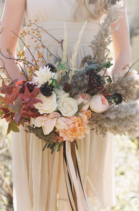 Allison Baddley  bouquet photographed by  Green Apple Photography  via  Wedding Sparrow