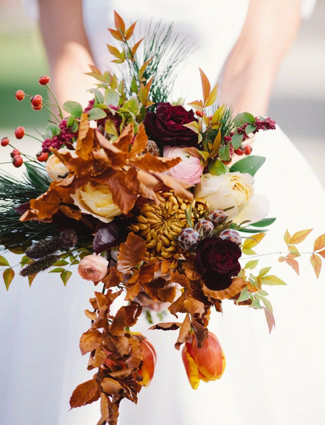 Lola Event & Floral Design  bouquet via  Green Wedding Shoes