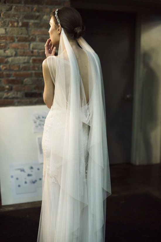 Monique Lhuillier  veil by  Ann Street